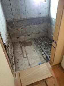 解体後浴室